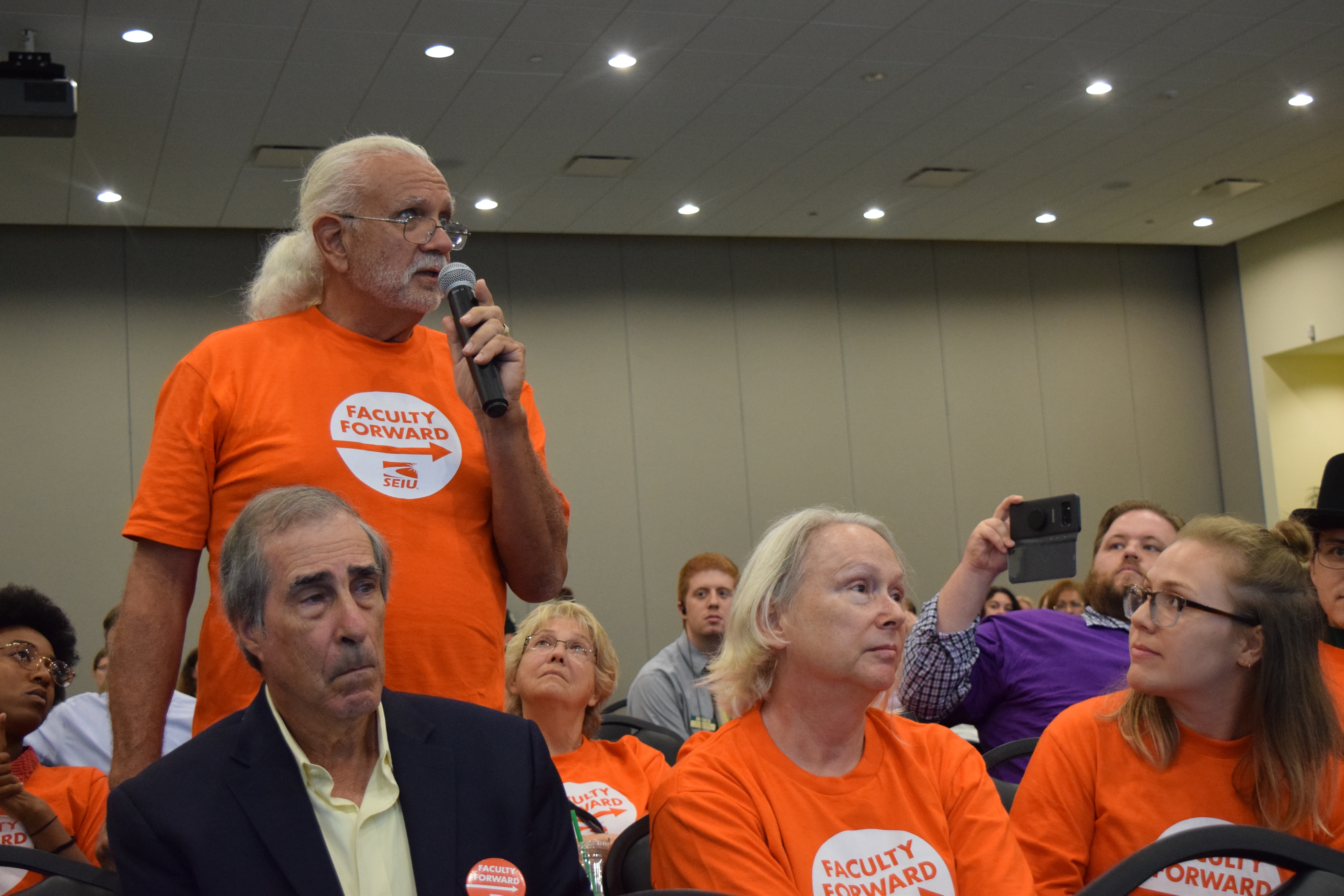 Adjuncts' union drive gets key approval
